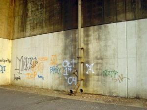 Skater.ICP graffiti I-30 Bridge near fishing ramp Oct 04 003-729148